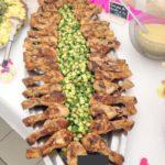 buffet cuisses de poulet aux concombres aigre-doux